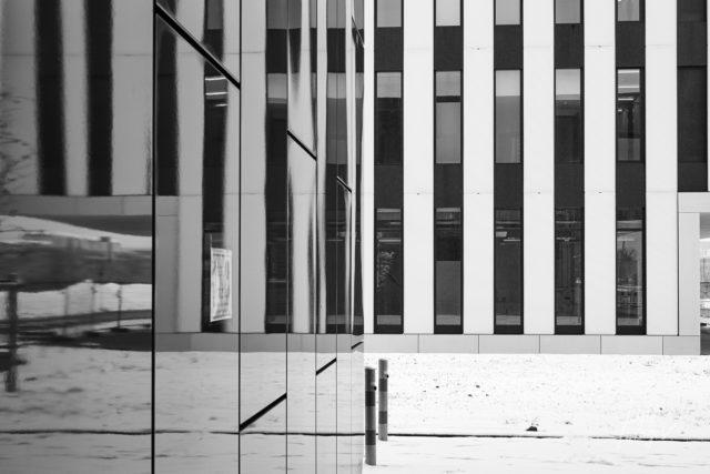 Linien und Glas